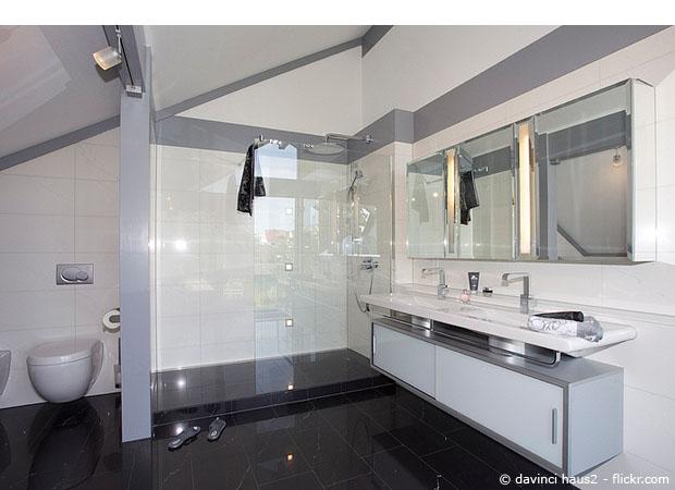 Bodengleiche Dusche: Barrierefreiheit im Badezimmer  Teil 1/2 - Wohnen  HausXXL  Wohnen  HausXXL