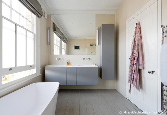 bad putzen in 5 schritten zum sauberen badezimmer wohnen hausxxl wohnen hausxxl. Black Bedroom Furniture Sets. Home Design Ideas