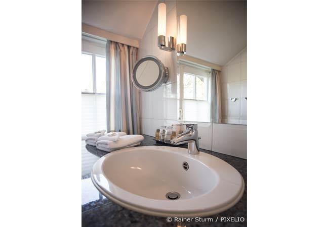 Tipps f r das badezimmer unterm dach wohnen hausxxl for Tipps badezimmer