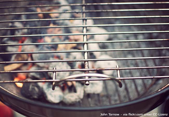 Auf dem Balkon grillen
