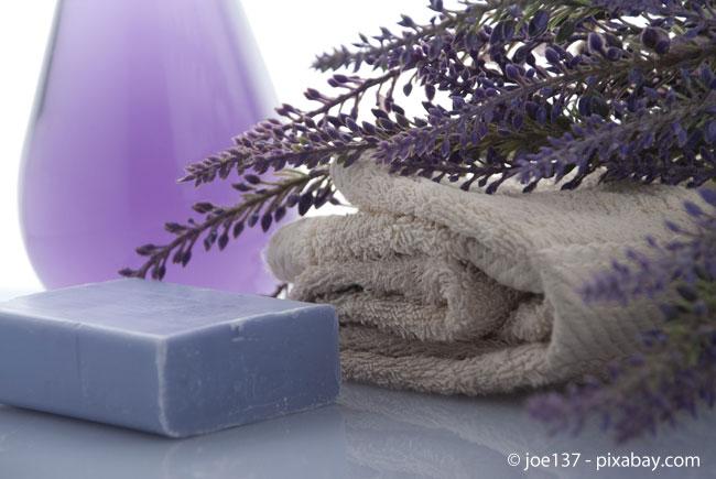 Düfte aller Art tragen zur Wohlfühlatmosphäre im Badezimmer bei