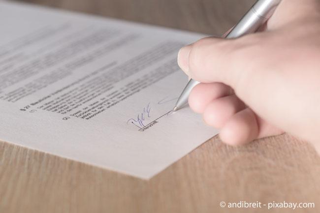 Der Mietvertrag regelt Rechte und Pflichten zwischen Mieter und Vermieter