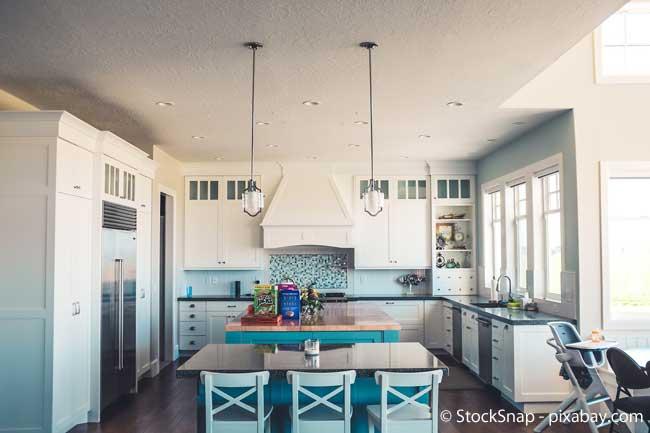 Die Höhe der Arbeitsfläche Ihrer Küche sollten Sie genau planen