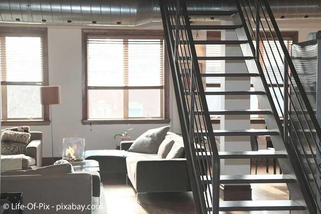 Nicht nur Treppen können gefährlich sein, auch der Rest Ihrer vier Wände sollte kindersicher sein