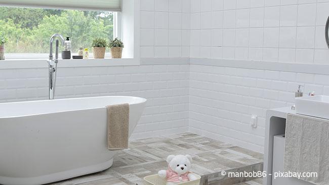 Der Bad sollte ein Ort der Reinheit sein. Dort sollten Sie daher besonders gründlich putzen.