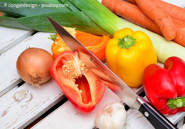 Gemüse wie Paprika, Zwiebel oder Knoblauch gehören nicht in den Kühlschrank