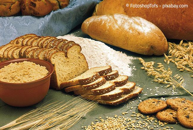 Auch Lebensmittel können von Motten befallen werden, besonders beliebt ist zum Beispiel Mehl. Kontrollieren Sie daher auch Ihre Lebensmittel regelmäßig.