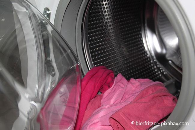 Bereits mit einfachen Mitteln können Sie verhindern, dass sich schlechte Gerüche in der Waschmaschine bilden