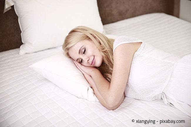 Der geeignete Härtegrad der Matratze richtet sich nach Ihrem persönlichen Empfinden. Testen Sie es vorher am besten aus!