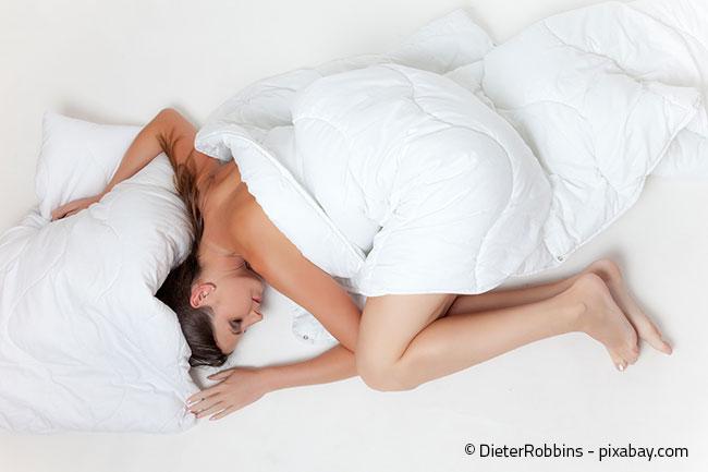 Kaltschaummatratzen passen sich an und unterstützen den Körper bei häufigem Drehen