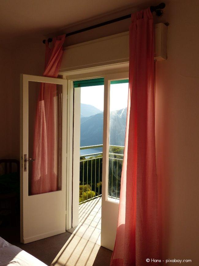 Besonders häufig dringen Einbrecher über Balkon- und Terrassentüren ein, daher sollten Sie diese besonders gut schützen