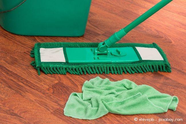 Vermeiden Sie in jedem Fall Chemie bei der Reinigung Ihres Fußbodens