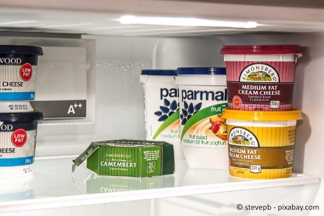 Das richtige Einräumen des Kühlschranks ist wichtig, um möglichst lange Haltbarkeit Ihrer Lebensmittel zu gewährleisten