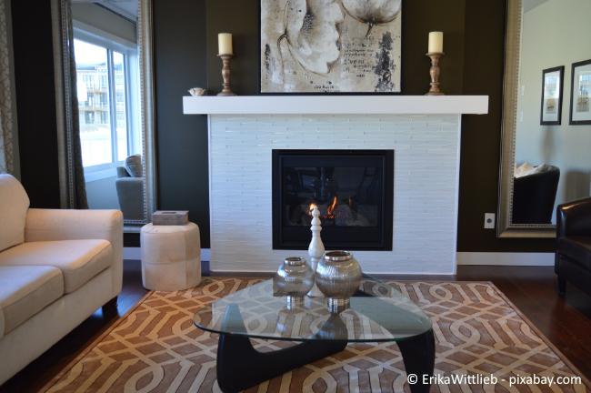 Ein Kamin verströmt nicht nur angenehme Wärme, sondern bietet auch noch ein optisches Highlight in Ihrem Zuhause