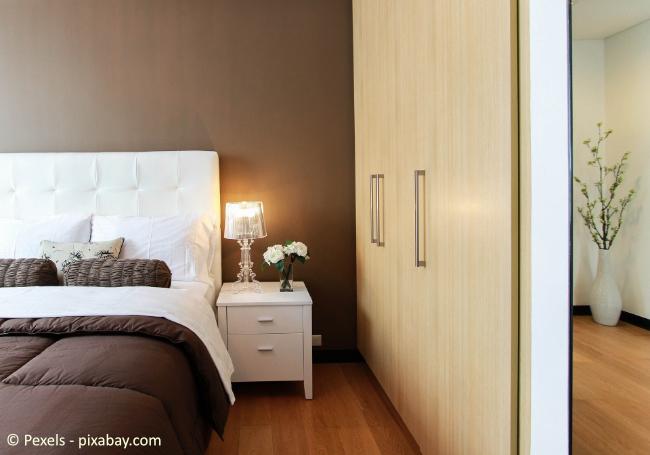 Kopfende und Fußende Ihres Bettes sollten möglichst von einer Wand begrenzt sein
