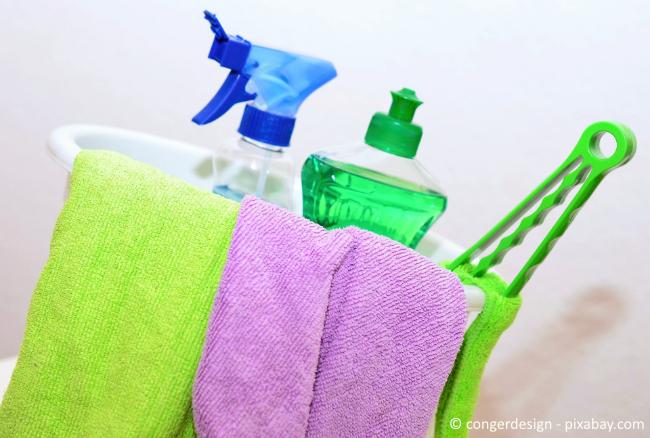 Professionelle Entkalkungsgeräte sind häufig nicht nötig. Meist genügen einfache Hausmittel zum Reinigen.