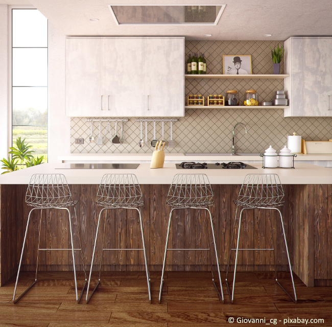 In Küchenregalen kann entsprechende Dekoration stilvoll in Szene gesetzt werden