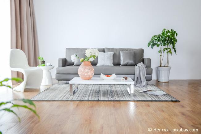 Helle Farben sind ein Muss in einer Souterrain Wohnung.