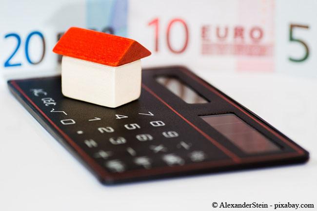 Besitzen Sie eine Immobilie länger als 10 Jahre, müssen Sie einen Gewinn am Immobilienmarkt nicht versteuern.