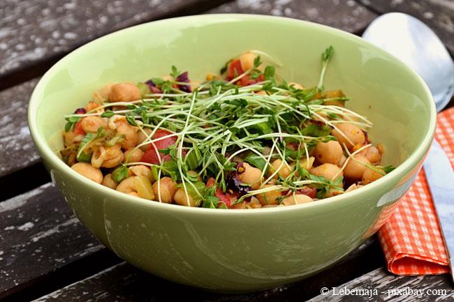 Mit frischen Sprossen können Sie zahlreiche leckere Gerichte zaubern.